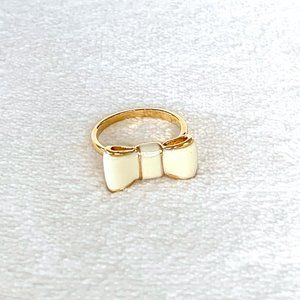 """NWOT Kate Spade """"Take a Bow"""" Ivory Bow Ring"""